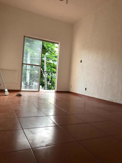 Apartamento Com Dois Quartos - Engenho De Dentro