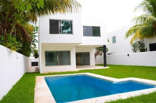 Venta De Casa Residencial Ceiba Real, Alamos Cancún.