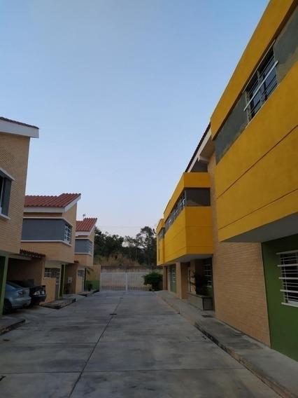 Venta De Townhouse Parral, Sector Las Palmas, Maria Angulo