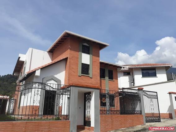 Casa En Venta Urb, Los Cortijos, La Pedregosa