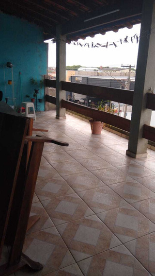 Aluga-se Casa Sobre Loja - Centro