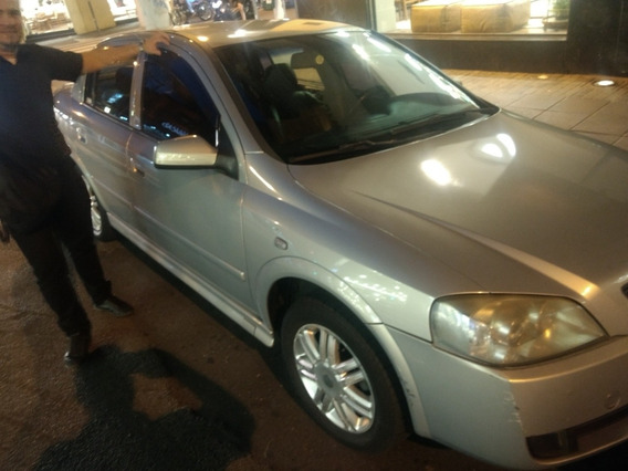 Chevrolet Astra Sedan 2.0 8v Cd 4p 2004