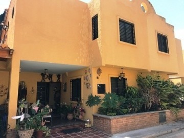 Townhouse En Venta En Piedra Pintada, Valencia, 20-03008