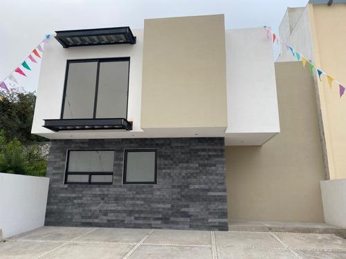 Imagen 1 de 14 de Casa En Venta En Juriquilla Nueva