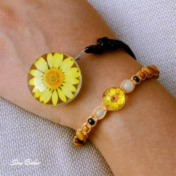 Colar Resina Flor Natural Amarelo + Pulseira Macrame Hippie