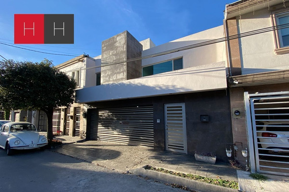 Casa En Renta En Col. Del Valle En San Pedro Garza García.