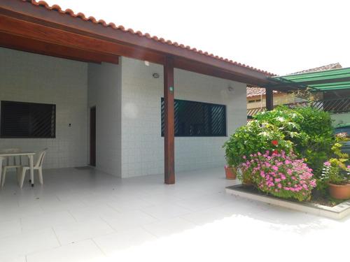 Casa Mobiliada A Venda Na Praia De Peruíbe