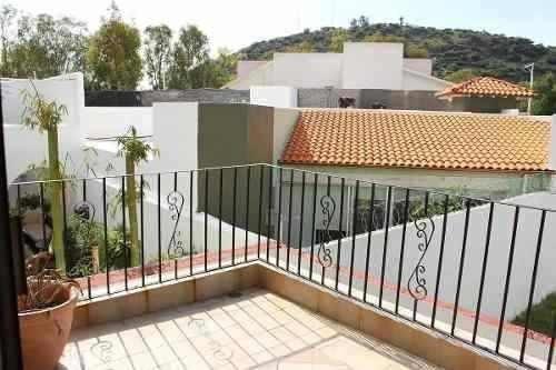 Se Vende Hermosa Residencia En Pueblo Nuevo, En La Mejor Eta