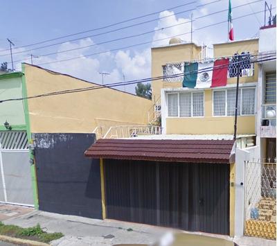 Remate Casa Av. Cecilio Robelo-jardin Balbuena