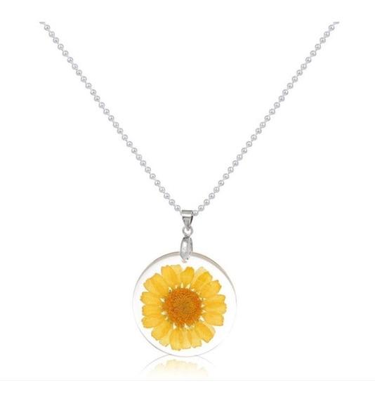 Hermoso Collar Natural Flor Encapsulada Amarilla, Detalle