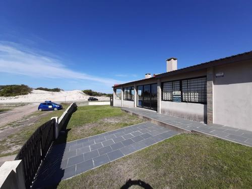 Temporada 2021 Parque Del Plata Frente Al Mar 444pp