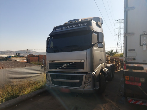 Imagem 1 de 9 de Volvo Fh 520 6x4t 2011