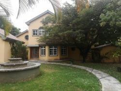 Casa En El Solar. Wc