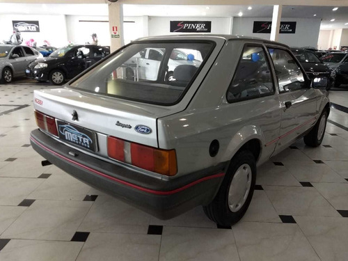 Ford Escort 1.0, Hobby Manual 2p