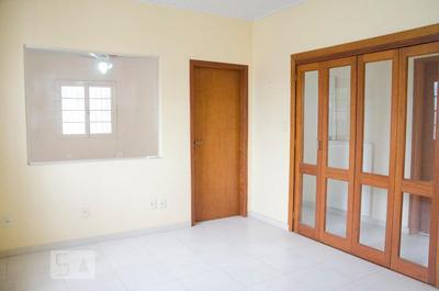 Casa Com 1 Dormitório E 3 Garagens - Id: 892893100 - 193100