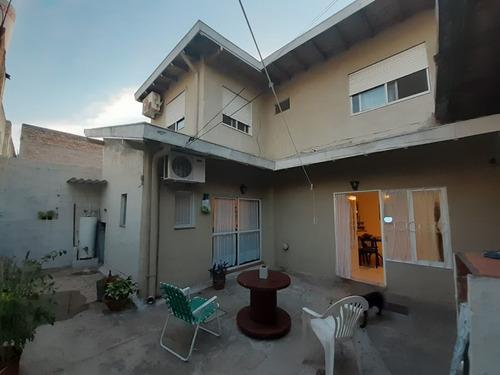 Imagen 1 de 18 de Venta 2 Casas + Deposito- Entradas Indep. Caseros