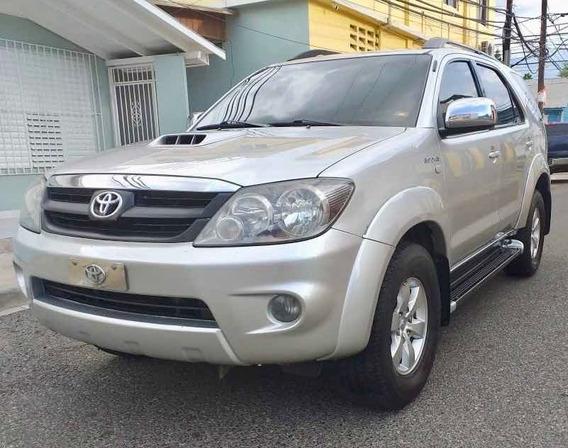 Toyota Fortuner Japonesa