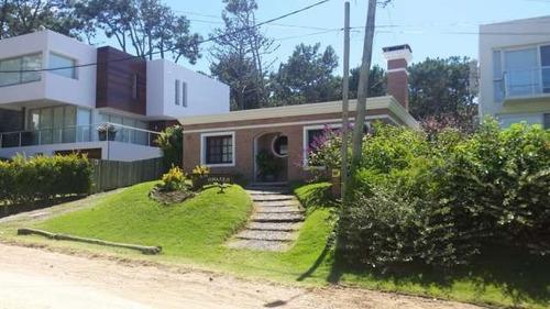 Casas En Alquiler Temporario 3 Dormitorios  Montoya Punta Del Este - Dl70