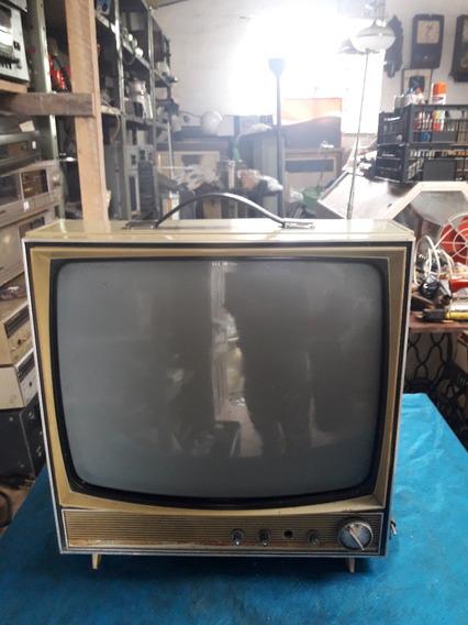 Televisão Philco Ford Antiga , O Barateiro