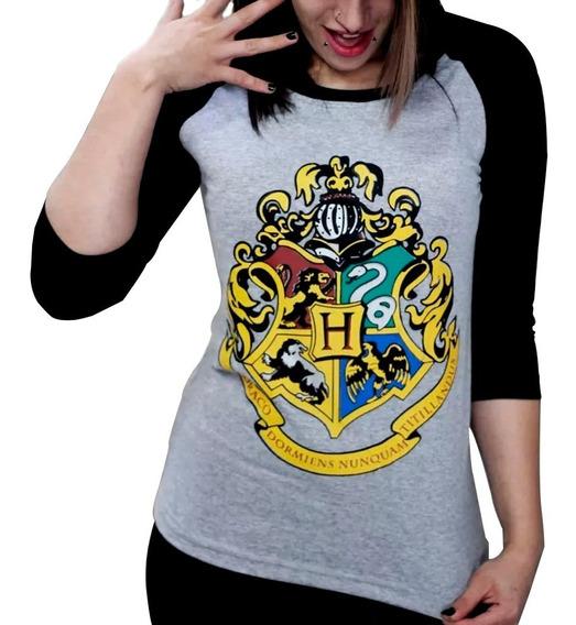 Camiseta Feminina Raglan Hogwarts Harry Potter