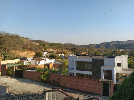 Espectacular Casa Colinas Guataparo