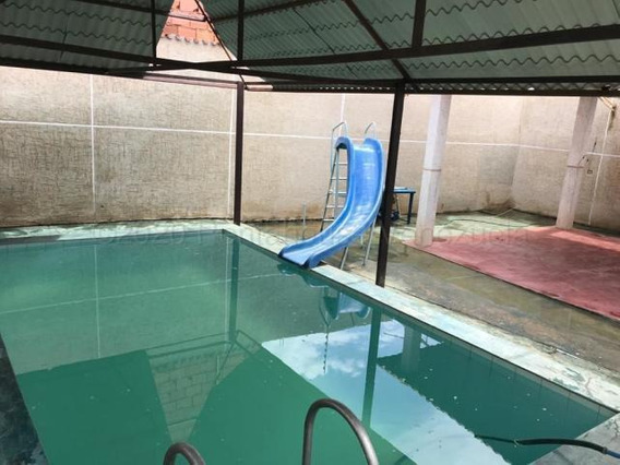Casa Con Piscina En Venta Barata En Maracaibo