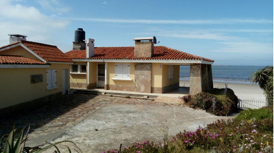 Alquilo Casa Frente Al Mar En Balneario La Tuna *marzo 2018*