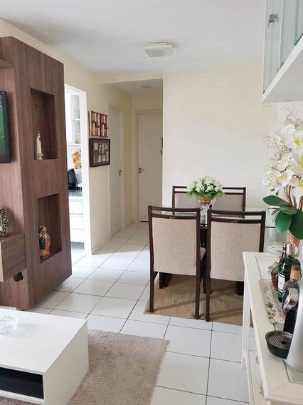 Apartamento Bairro Jacarecanga - 2 Quartos, Mobiliado