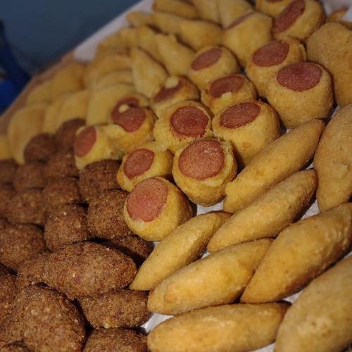 Imagem 1 de 5 de Salgados, Pizzas E Batata Para Sua Festa