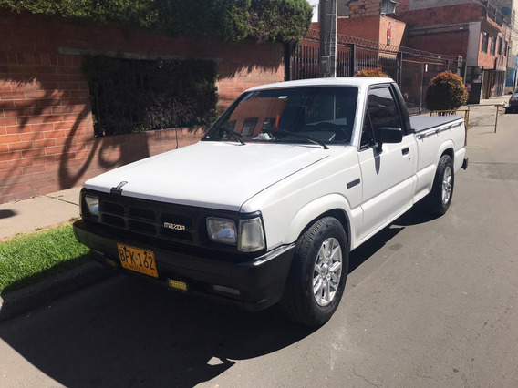 Mazda B2200 Pick-up 1995 Restaurada