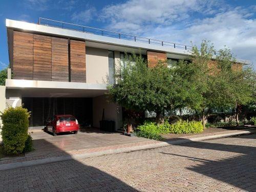 Imagen 1 de 11 de Hermosa Y Exclusiva Residencia
