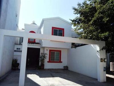 Casa En Renta En Country Del Rio
