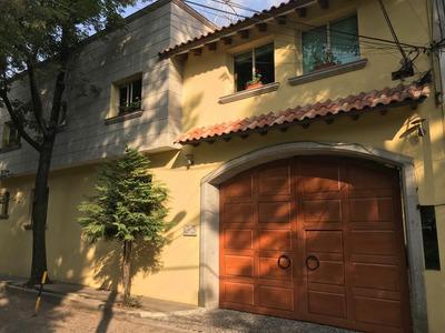 Preciosa Casa En Condominio Frente Al Parque