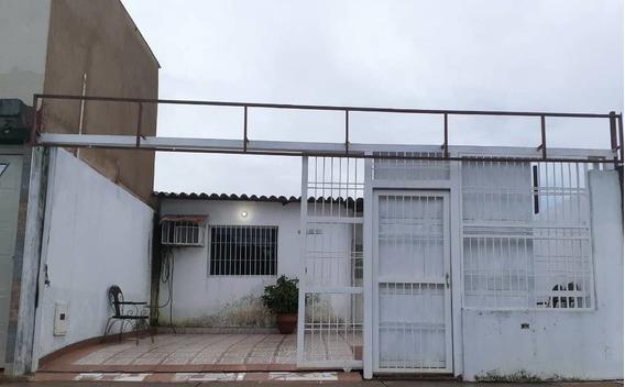 Se Vende Cómoda Casa En Urbanización Yara Yara, Puerto Ordaz