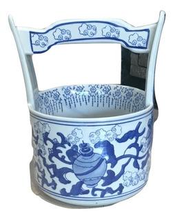 Pozo De Porelana China En Color Azul Y Blanco.