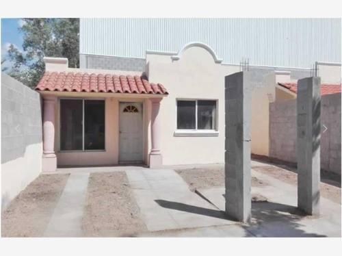 Casa Sola En Venta Villas Del Cortes