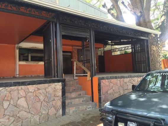 Alquilo Local Ideal Para Restaurant Area Monumental, Stgo
