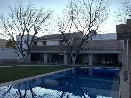 Casa Sola En Venta Fracc. Las Trojes