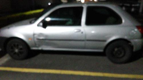 Imagem 1 de 4 de Ford Fiesta 2000 1.0 Gl 3p