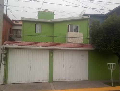 Casa En Renta En Valle Dorado, Tlalnepantla, México.