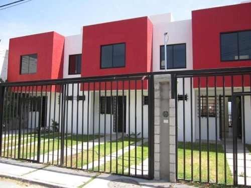 En San Pedrito Peñuelas, 3 Recamaras, 2.5 Baños, Gran Jardín, Hermosa Vista..
