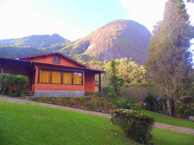 Casa Aconchegante, Confortável, Ensolarada, Terreno De 2.650 M² Gramado! - E4699