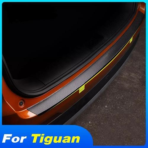 Imagen 1 de 6 de Tira De Carbon Cubre Cajuela Vw Tiguan 2018-2021 Accesorios