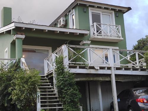 Hermosa Casa!!!! En 2 Plantas, 3 Dormitorios, 2 Baños