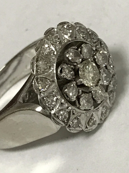 Anel Em Ouro Branco Com Diamantes, 13,1 Gramas Aro 17/18