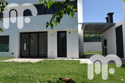 Venta Casa Complejo De Viviendas En City Bell