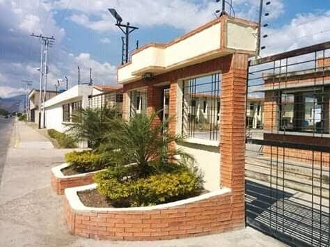 Town House En Agua Marina- Guacara Cod. Indith-045