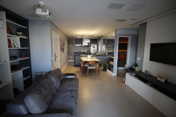 Apartamento Finamente Decorada Em Condomínio Clube