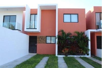 Casa En Venta En Leandro Valle, Mérida, Yucatán