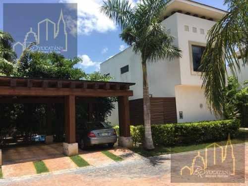 Renta De Villa Estilo Italiana En Harmonia Yucatan Country Club